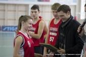 """""""Кубанский спорт.ру"""" и профессиональные баскетболисты провели акцию в Голубицкой"""