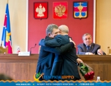Иван Василевский благодарит М.М. Бода за работу
