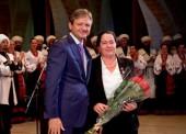 Губернатор Александр Ткачев вручил высшую награду Кубани темрючанке Людмиле Максименко