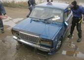 Темрюкские спасатели вытащили из воды автомобиль с телом мужчины