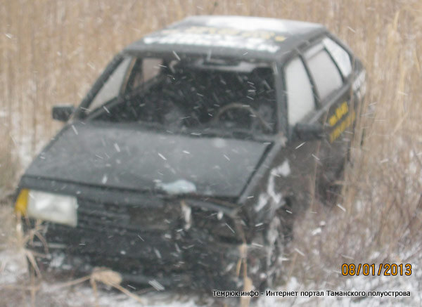 ВАЗ 2109 перевернулся в Темрюкском районе