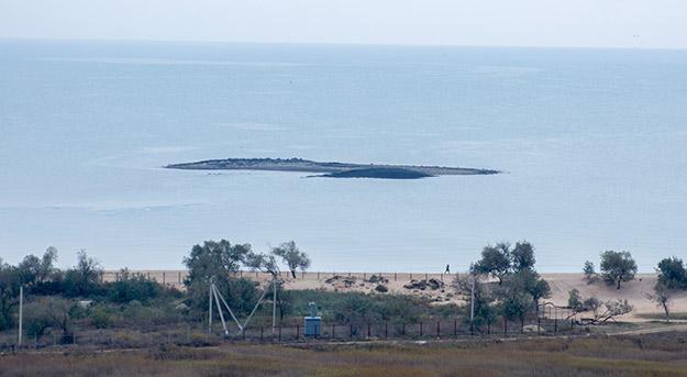 Грязевой остров в Голубицкой