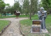 Новые скульптуры сказочных героев установили в парке Темрюка