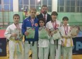 Восемь медалей привезли юные каратисты с первенства проходившего в Апшеронске