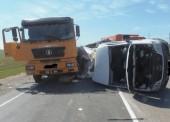 Трое пассажиров Мерседеса пострадали в ДТП из-за не уступившей дорогу Лады в Темрюкском районе