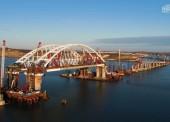 Автодорожная арка Крымского моста установлена на фарватерные опоры