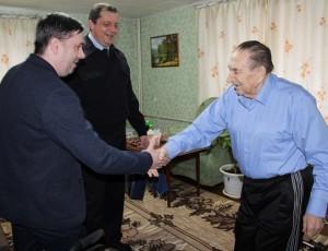 В преддверии 23 февраля сотрудники Темрюкской полиции и общественники поздравили ветерана войны
