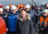 Владимир Путин запустит движение по мосту в Крым уже в мае 2018 года