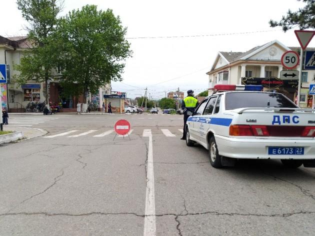 Ограничение движения, полиция