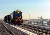 Через 2 недели по Крымскому мосту пройдут первые пассажирские поезда