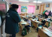 Сотрудники ГИМС провели профилактические занятия со школьникаи